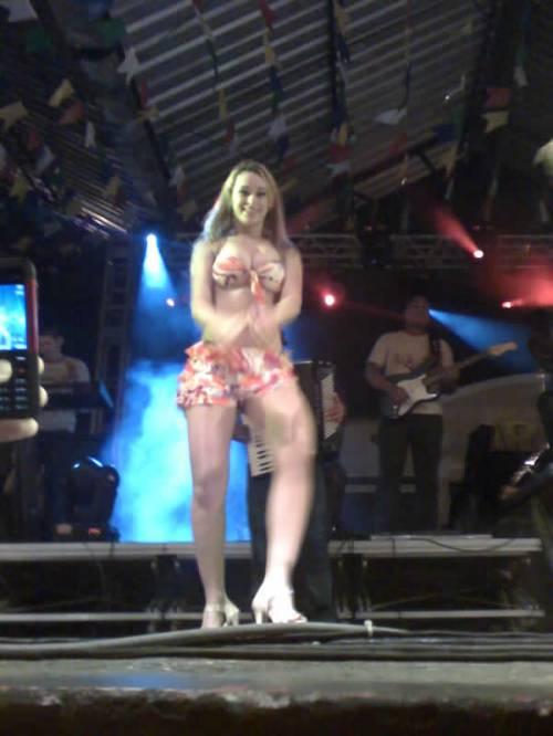 Mimi - Dançarina - Aviões do Forró